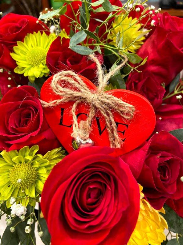 Centro de rosas rojas Afrodita