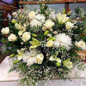 Centro flor fresca funeral Neredia