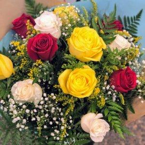 Ramo 12 rosas colores Durga
