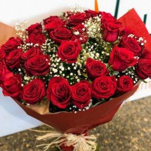 Ramo 24 rosas rojas Atón