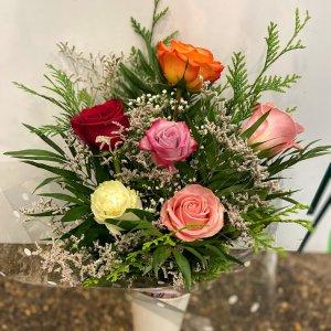 Ramo 6 rosas colores Hebe