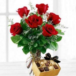 Ramo 6 rosas y bombones Nereida