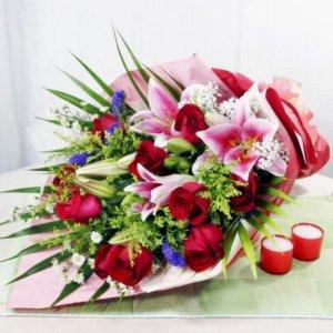 Ramo de flor fresca variada