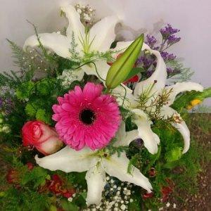 Ramo flor variada Hades